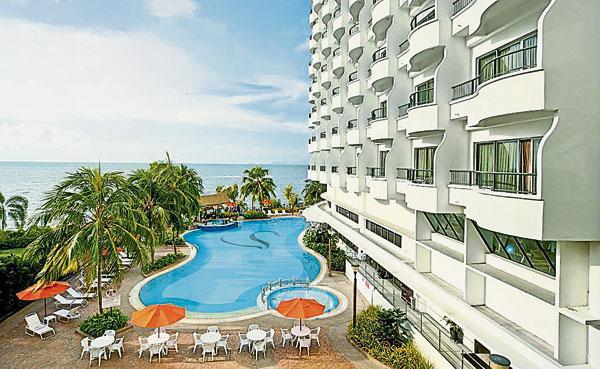 Flamingo酒店內除了有大泳池,還有按摩泳池,設備齊全。