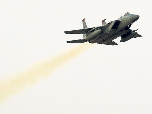 韓國F-15K戰機。(歐新社)