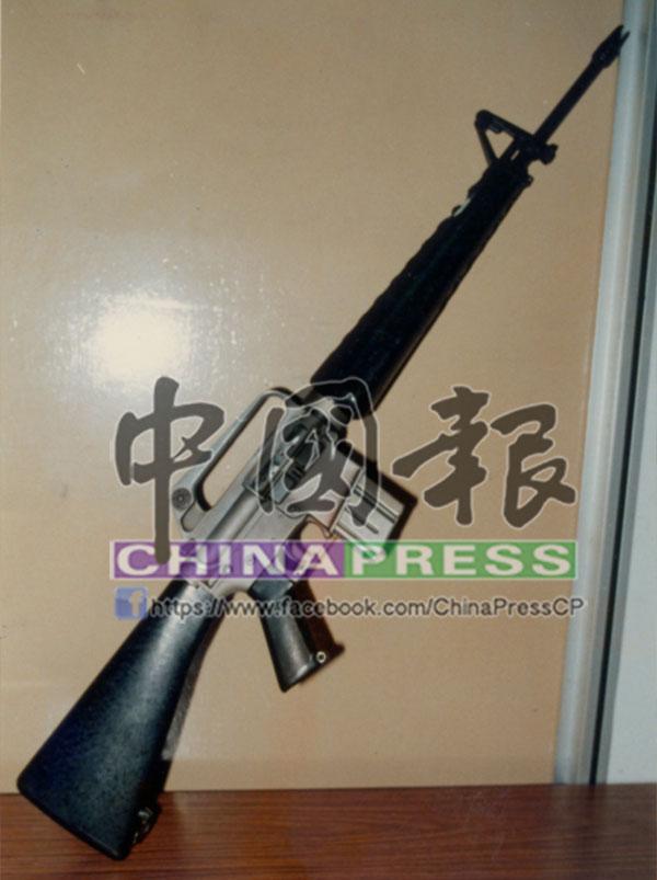 阿蟲干案時使用的AR-15突擊步槍。