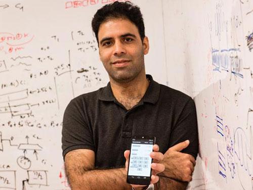 巴辛博士與另兩名南大研究人員發現,智能手機多個常見的傳感器,可能存在安全漏洞。