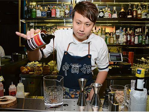 David Hans是目前大馬首位獲得國際賽冠軍的調酒師。
