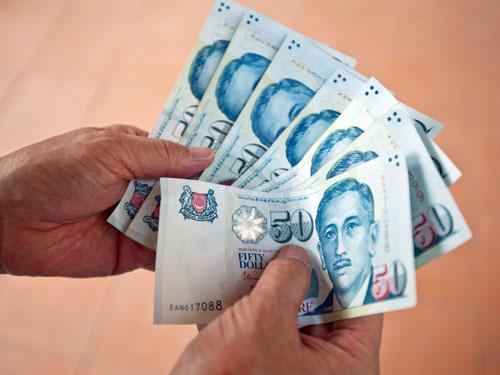 明年底新元兌美元將升值,兌令吉料也將跟著走高。