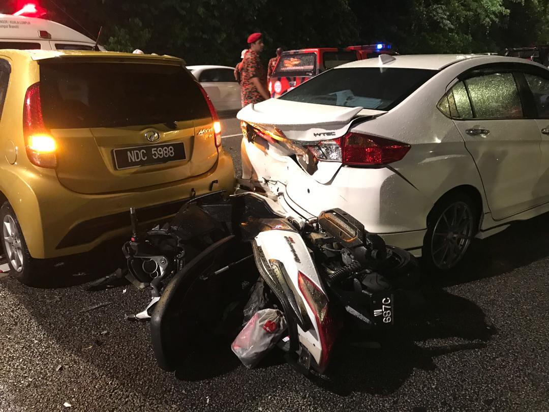 數名公眾也在車禍中受傷,隨後被送往醫院治療