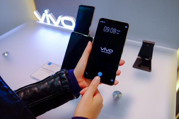 指紋辨識里程碑,vivo不但引領屏幕感測新潮流,還展現了其卓越技術能力。