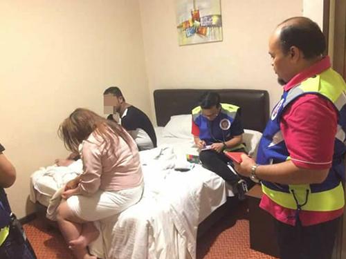 一對穆斯林男女被發現在酒店內共處一室。