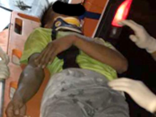 華裔青年涉嫌在旅社嫖娼看警方突檢從2樓躍下摔傷送院。