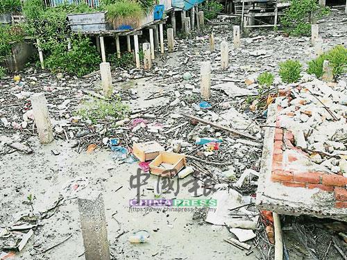 部分是人為因素,但有部分是在潮水的流勢下,漂流到島上的各種垃圾。