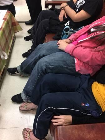 3名大馬女子都穿上寬鬆的褲子以掩飾綁在大、小腿的毒品。