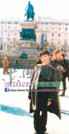當年28歲的蒙古女郎阿旦杜亞樣貌姣好,長相非常清秀。