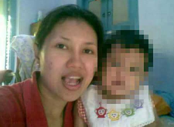 女童母親。