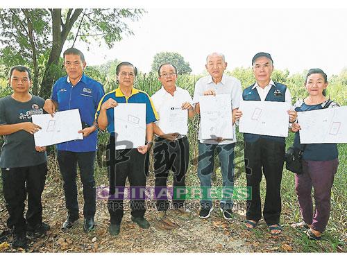 馬華蒲種區會強調馬華早于2014年已經著手申請建校。左起為盧家昇、趙啟興、劉有福、黃福安、梁恆生、廖華和賴秀蘭。