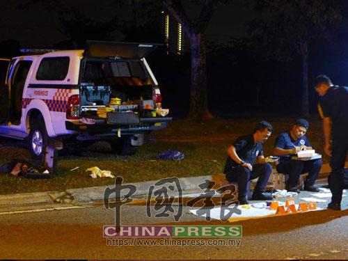事發後,警方到現場展開調查。