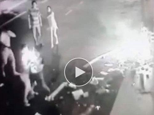 嫌犯向陳興旺潑油彈後,拉扯中近身點火。