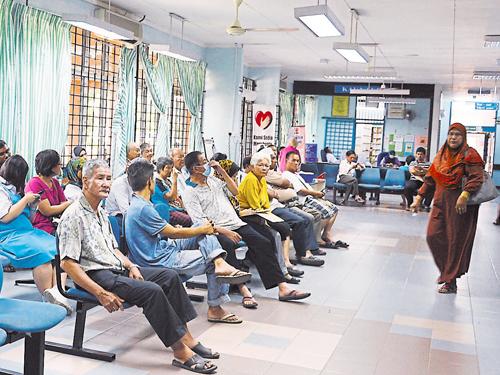 一些病患被迫每週一次到醫院領藥,十分不便。(檔案照)