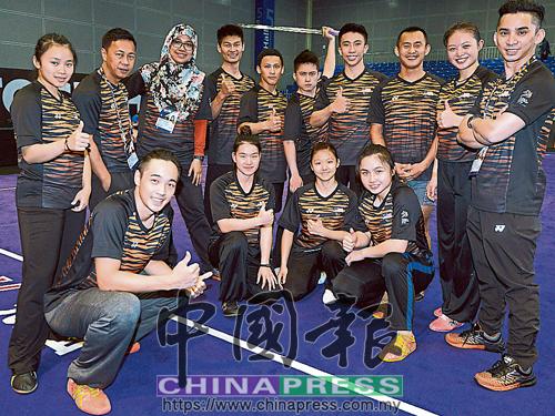法哈娜(后排左3)說,國家武術隊培訓的世界級排名運動員,已被國際看到。后排右為林佑輝。