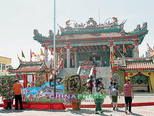仁嘉隆萬壽宮是幸福村的熱門景點之一。