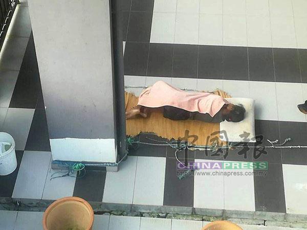 據悉,女傭睡在泊車間已逾月。(傅政瀚提供)