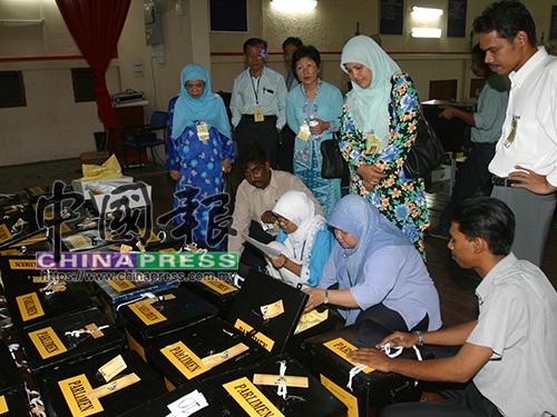 選委會針對峇東埔國席進行重算,確保成績沒有問題。