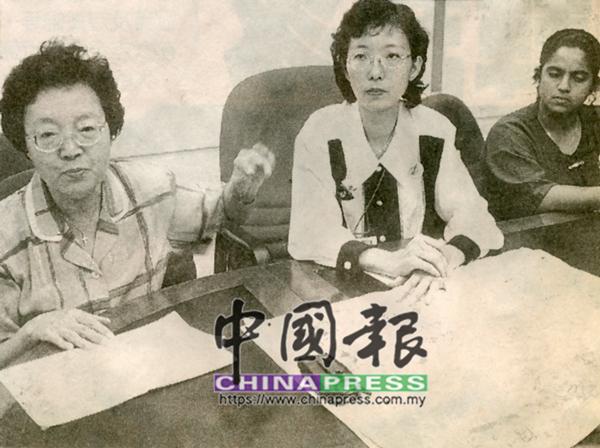 """郭母馮雪瓊(左起)在""""站蹲論""""風波爆發後,第一時間站出來為女兒郭素沁鳴不平。"""