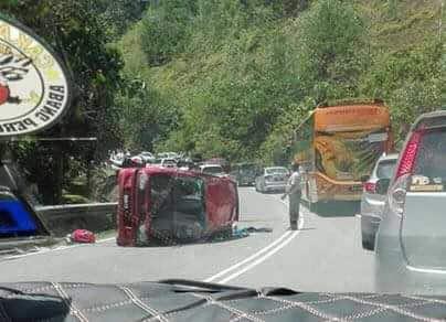 意外發生后,造成該處交通嚴重阻塞。
