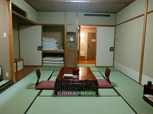 此趟也體驗了溫泉旅館的榻榻米住宿。
