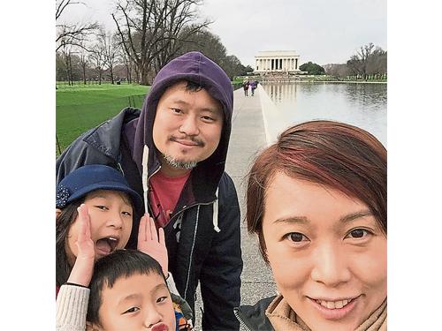 葉欣向一家四口樂融融。她雖然忙碌,但也堅持要兼顧家庭生活,多陪伴孩子與丈夫出國旅游。