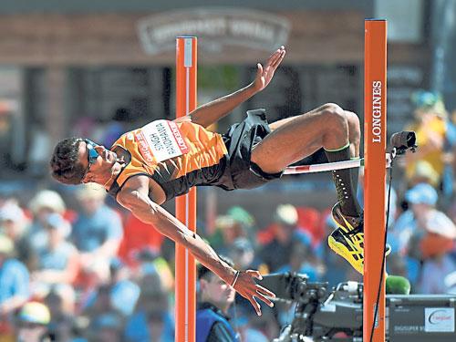 東運會冠軍納拉治星得以以第13名的身分,進軍跳高決賽。