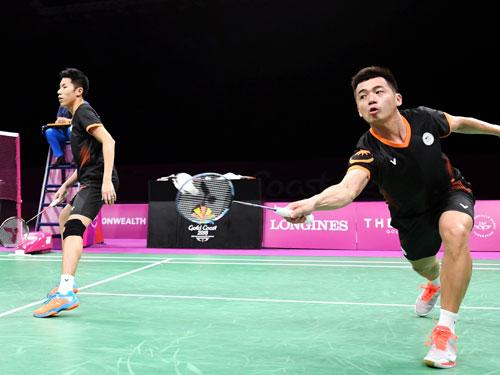 陳蔚強(右)與吳蔚升衛冕失敗。