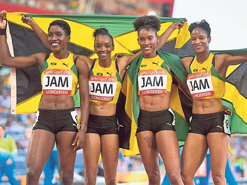 """牙買加女隊贏得4X100公尺接力賽金牌,稍挽""""短跑王國""""的威名。(歐新社)"""