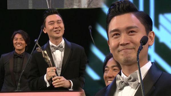 凌文龍在《黃金花》中飾演自閉兼智障的兒子仔,無論咬字、神態、動作都演繹得非常細膩,亦讓他成功奪得最佳新人獎。
