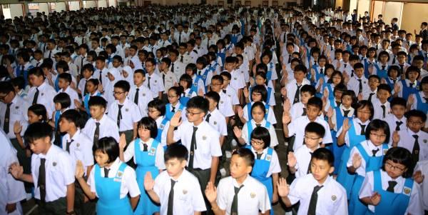 援助金受惠者的孩子,进入高等學府就讀,將獲一次性1500令吉援助金。