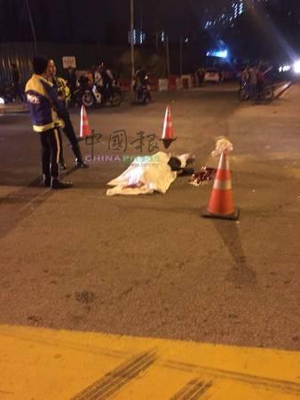華裔騎士在紅綠燈前,被醉酒司機從後撞上,當場慘死。