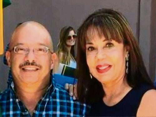 馬丁內斯(左)與妻子瑪麗亞曾因吃生蠔而中毒。