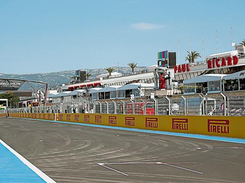 保羅里卡爾賽道闊別28年再次舉辦F1賽事,掀起了對世界冠軍爭奪走勢,起到決定性影響的連續3週背靠背賽事序幕。(歐新社)