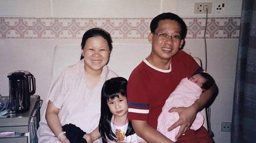 大衛和埃絲特夫婦的家庭照。