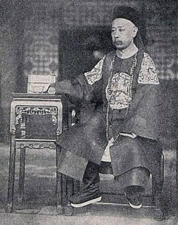 清朝末代內閣總理大臣奕劻。