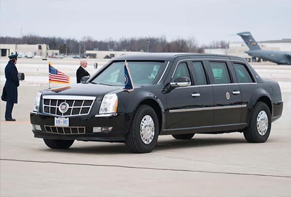 """代號""""野獸""""的美國總統專車,不僅車身防彈,還可抵禦化學攻擊。(互聯網)"""