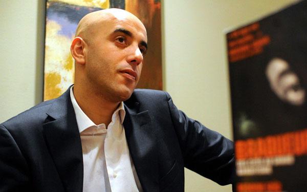 法伊德於2010年出書後接受采訪。