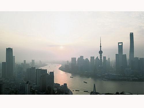 中國多家金融機構未嚴控放貸,助長了當地炒房歪風。