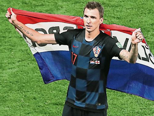 曼祖基奇為克羅地亞打進致胜球,成為球隊歷史性殺進決賽的大功臣。(歐新社)