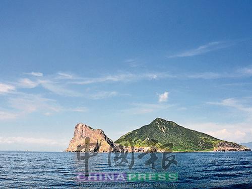 龜山島:即使命運把你丟進鹹水海,也別忘記仰望藍天。