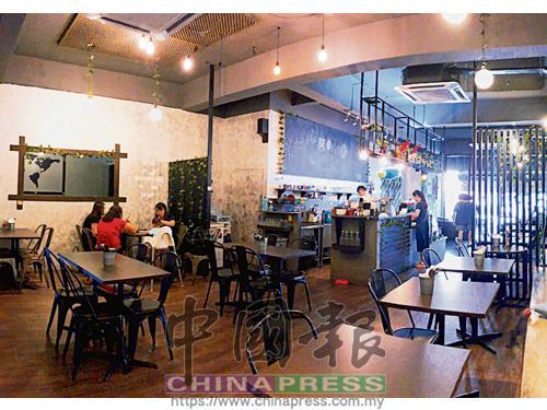深具時尚感的開放式廚房,增添了悠閒輕鬆的用餐情趣,讓你邊吃美食,邊享受舒適環境。
