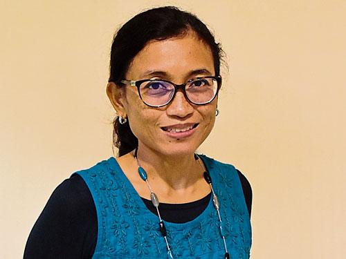 布城馬來西亞內分泌專科服務部主管兼內分泌專科醫生再娜麗雅說,罹患糖尿病的時間越久,發生糖尿病視網膜病變的几率就越高。