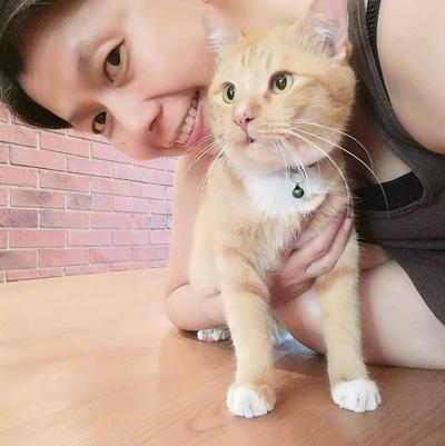 Fangi因為貓而接觸動物溝通,現在希望通過動物溝通幫助更多毛小孩。