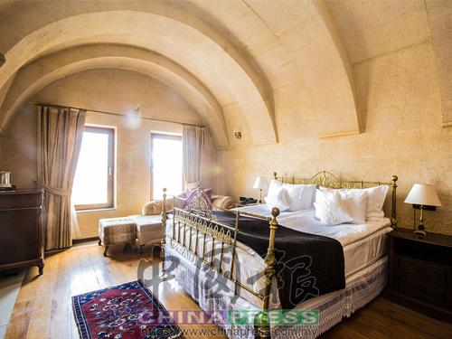 CCR洞穴酒店是卡帕多細亞格雷梅鎮上最美也最有特色的洞穴酒店,住在洞穴里冬暖夏涼。