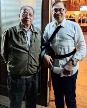 林吉祥(左)前往土耳其探望安華的康復進展。