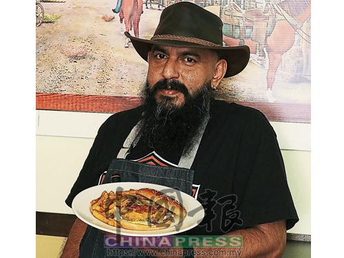 酒吧老闆兼主廚Jeffrey Bhagwan除了是豬肉愛好者,更是漢堡粉絲。由他研發的Pork Burger,餡料除了有200克烤豬肉餅,還有炒洋蔥、芝士、自家醃製的青辣椒及生菜。老闆不喜歡在漢堡中加入辣椒醬或其他醬汁,因為他希望客人可以嘗到肉餅的原汁原味。
