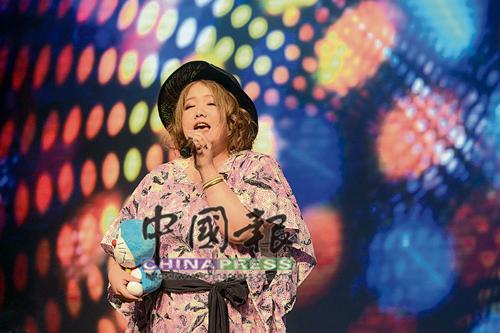 mao的現場演唱,讓人見識她深厚的唱功。