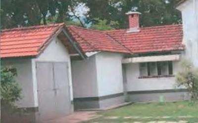 峇都蘭樟巷的公務員宿舍範圍雜物已被清除。(拍攝日期為2018年2月7日,圖取自總審計司報告)