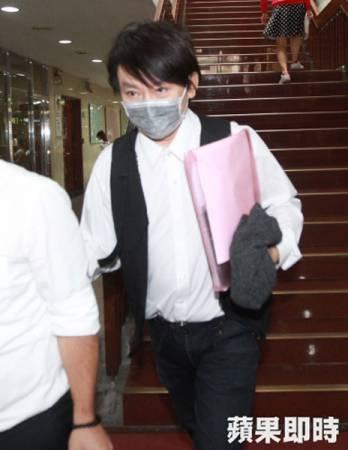 秦偉一審被判8年徒刑。